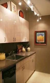 iluminação para cozinha pequena decorada