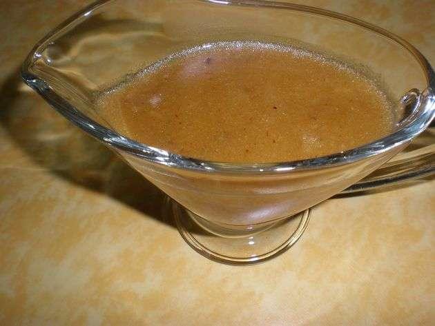 Salsa de chuletas de pavo con piña y naranja