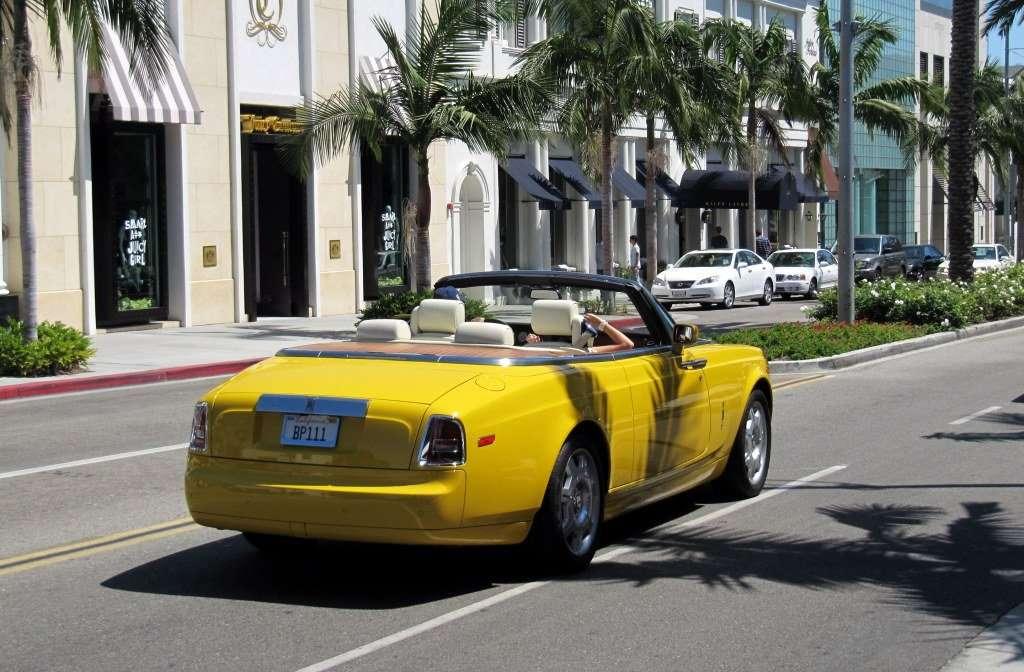 Rolls-Royce Phantom Drophead Coupe (Semaphore Yellow